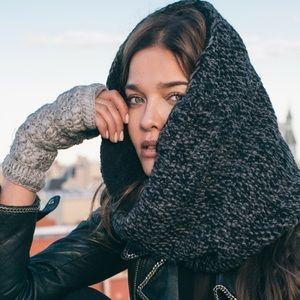 NEW Nirvana Designs Flower Crochet Handwarmers